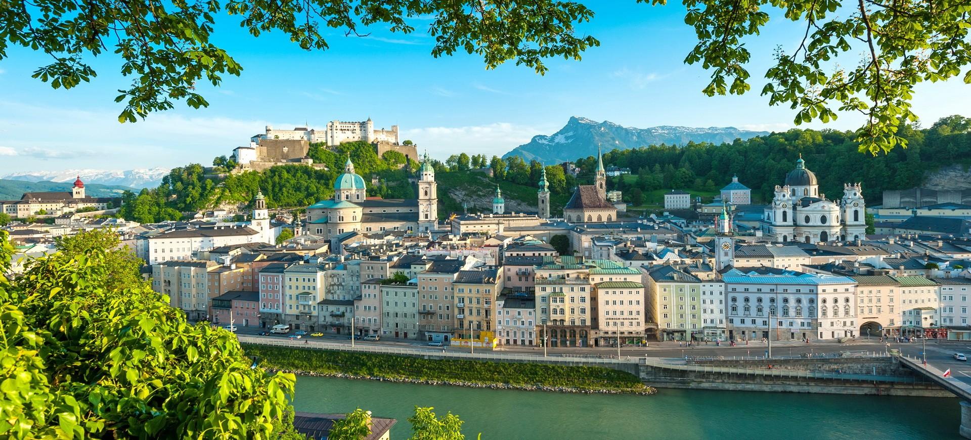Autriche Salzbourg Chateau et la vieille ville