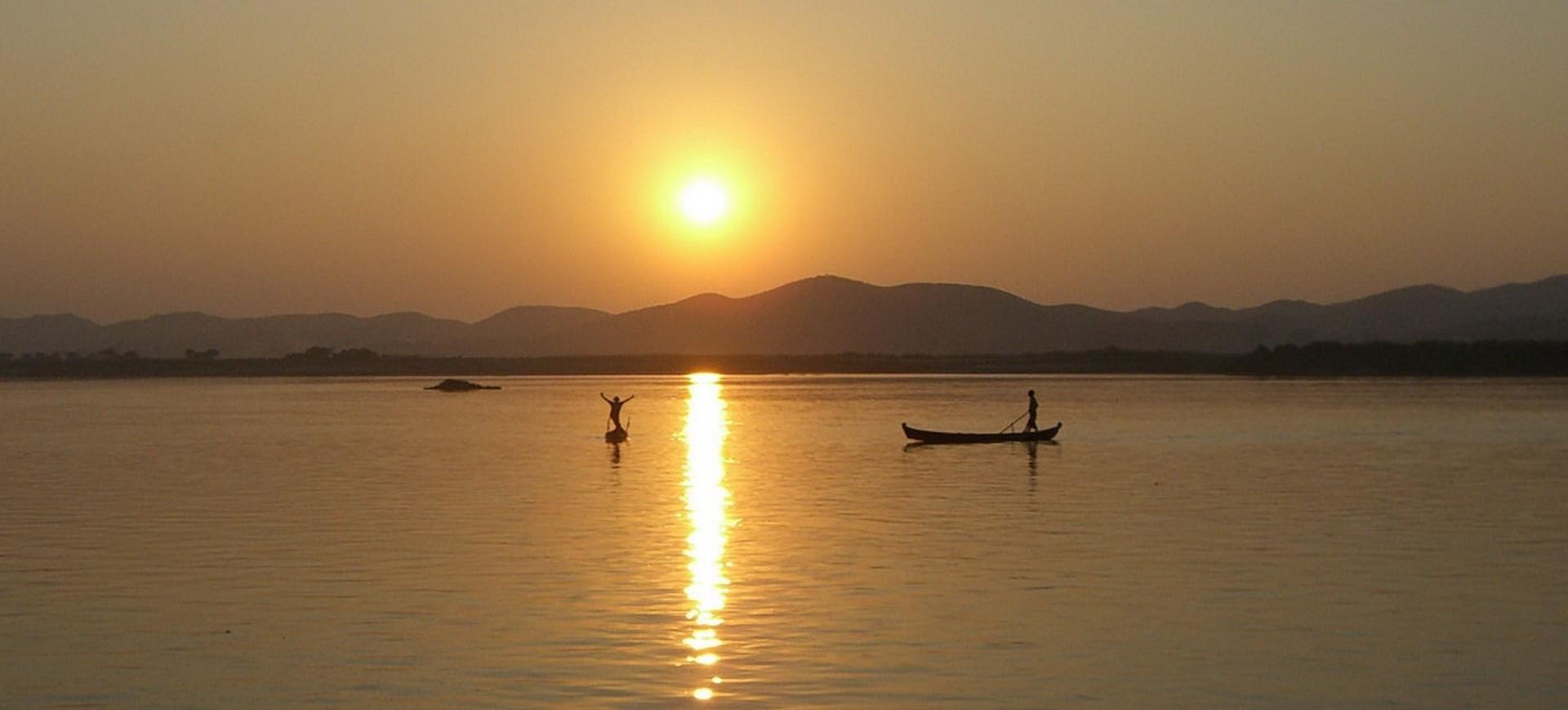 Birmanie Lac Inlé coucher du soleil