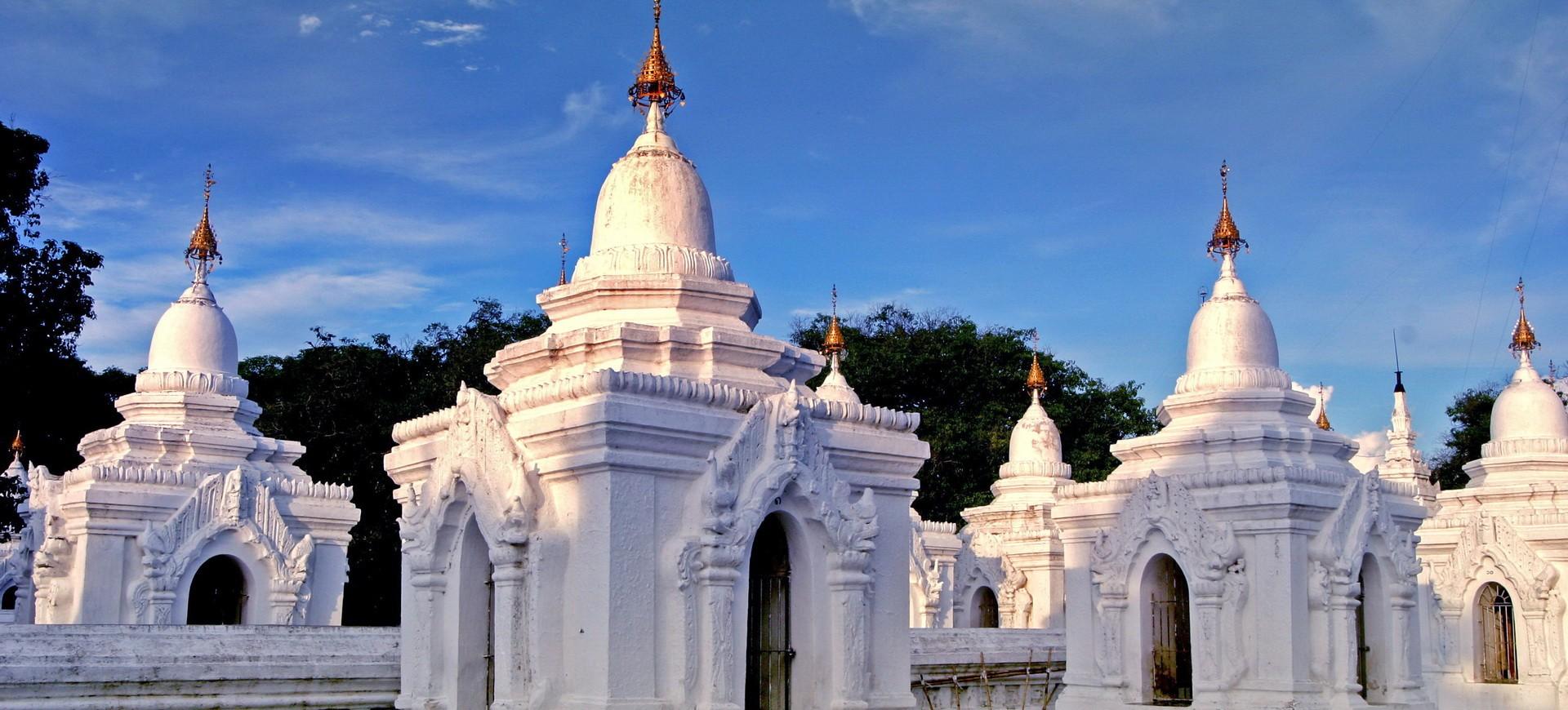 Birmanie Mont Popa Pagodes