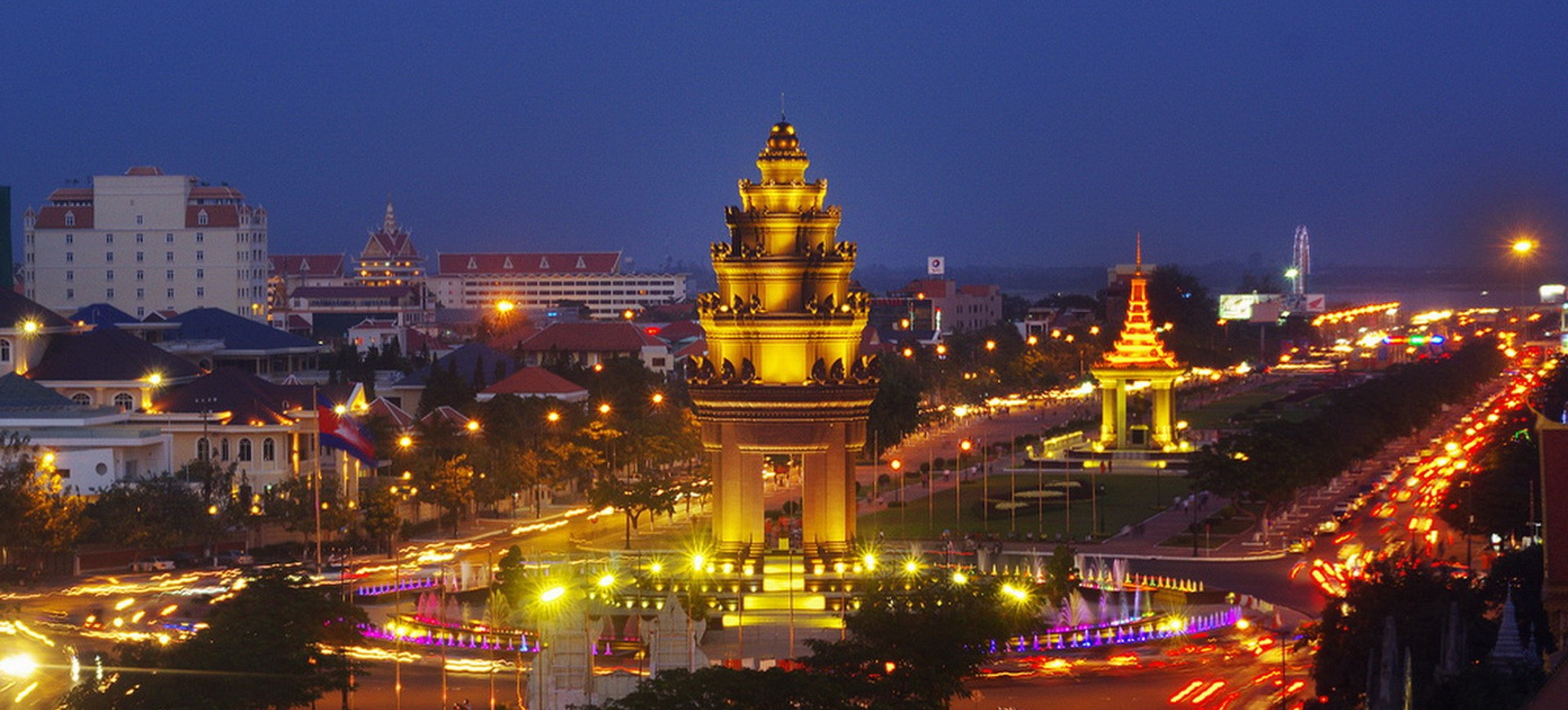 Cambodge Phnom Monument Indépendence Penh by night