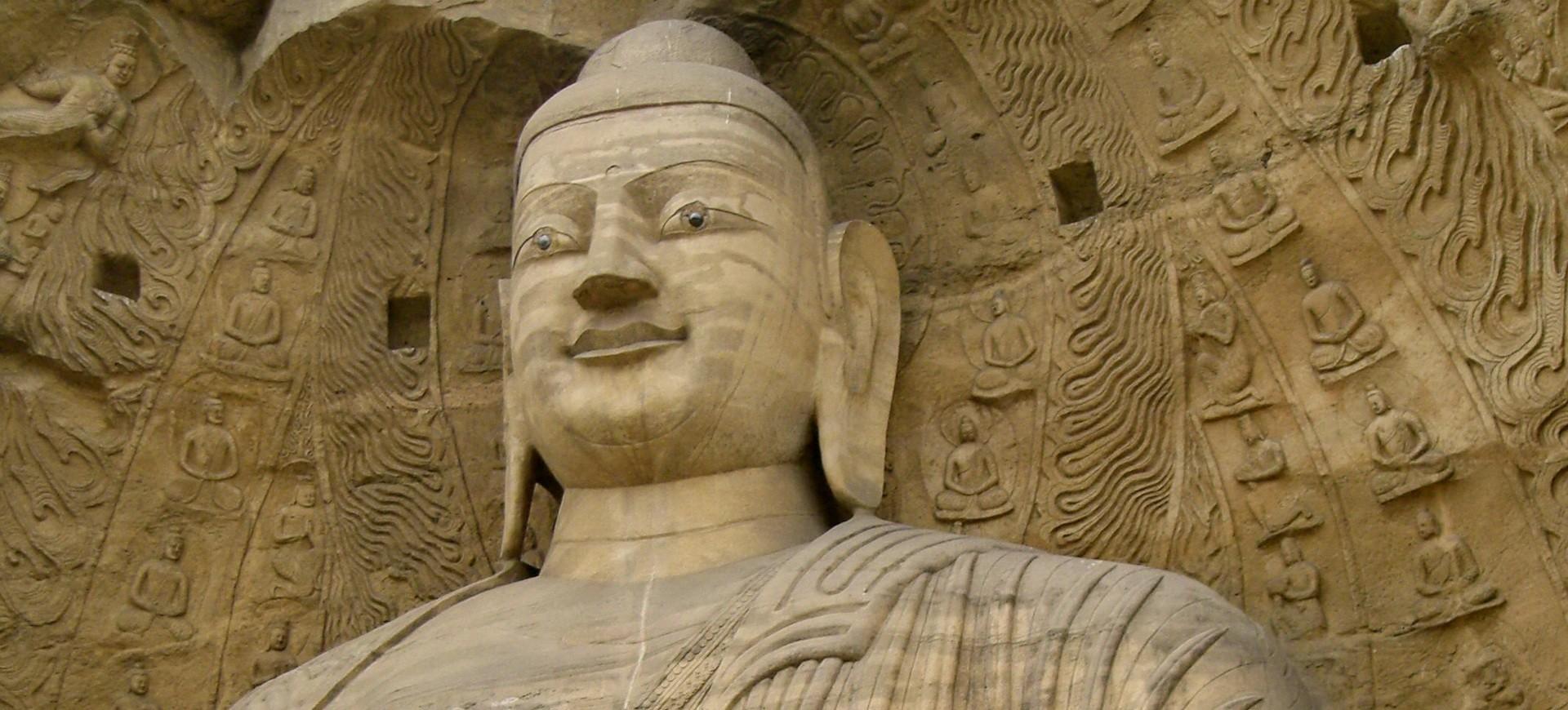 Bouddha Géant dans Grottes Yungang à Datong en Chine