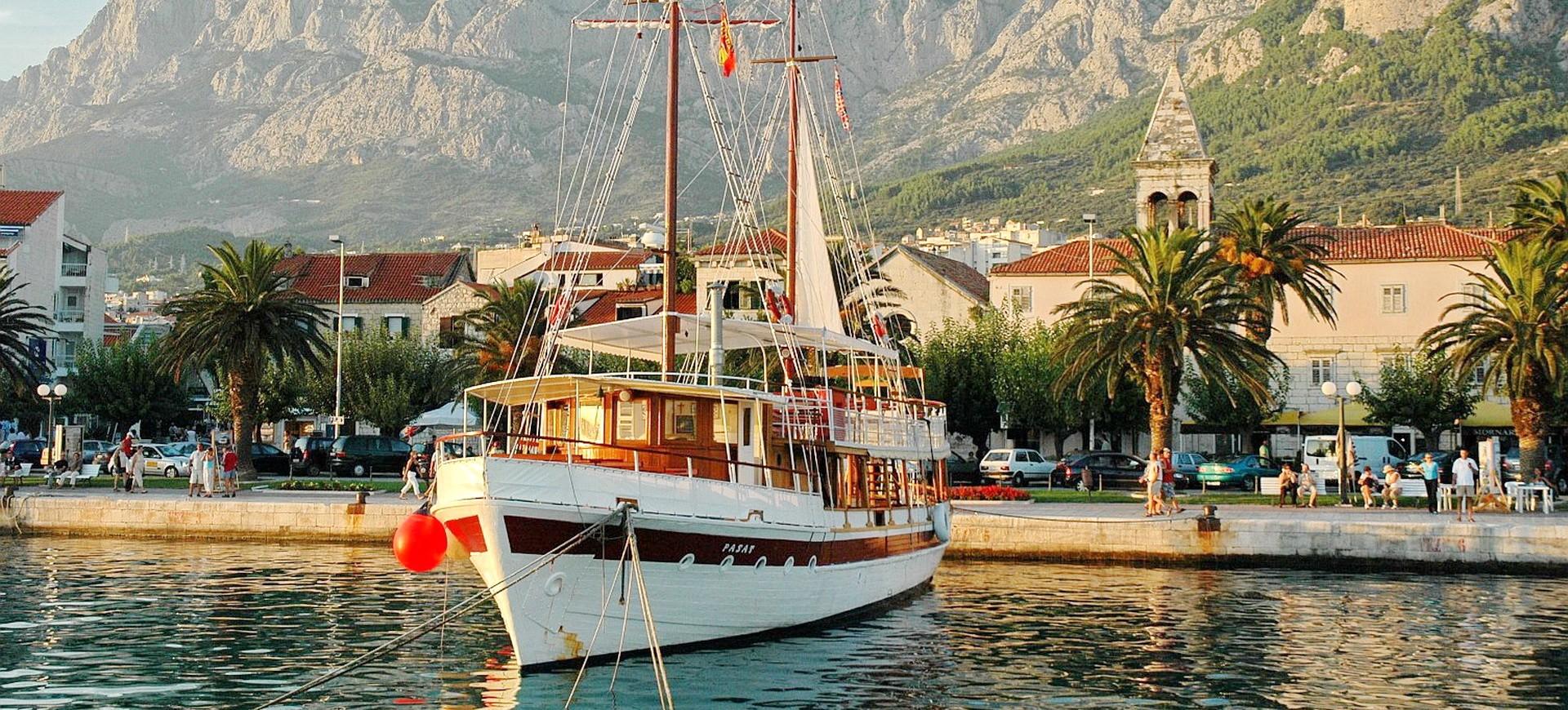 Croatie Dubrovnik Bateau de croisière