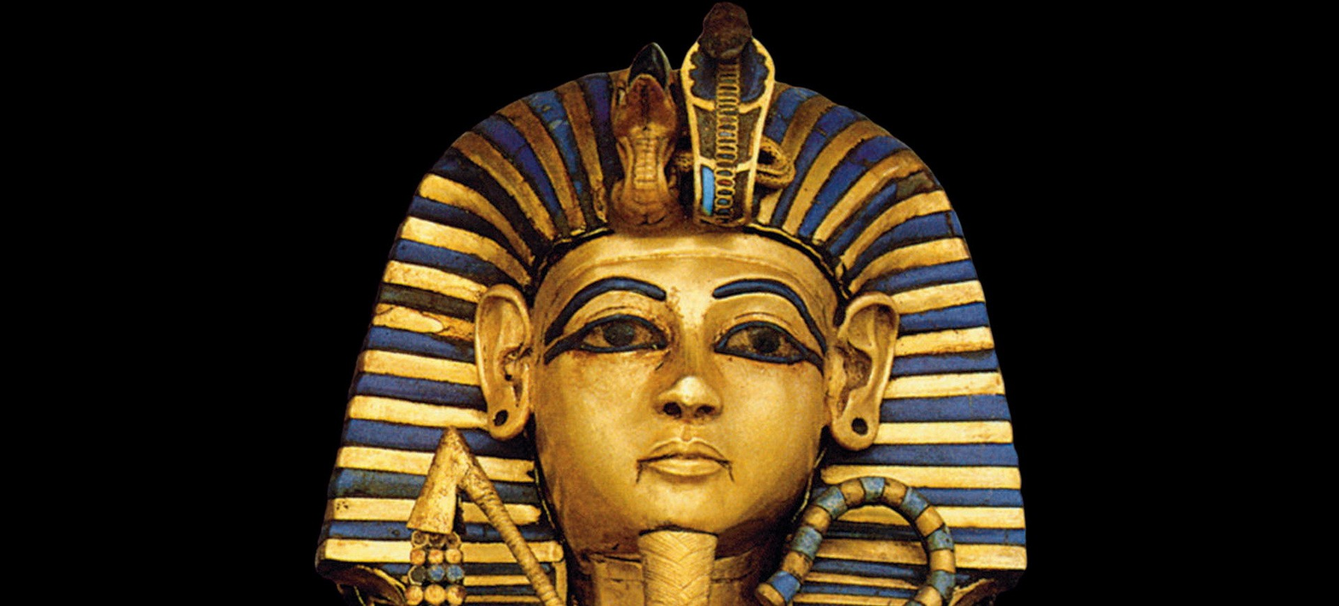 Statue Toutakamon dans le musée au Caire