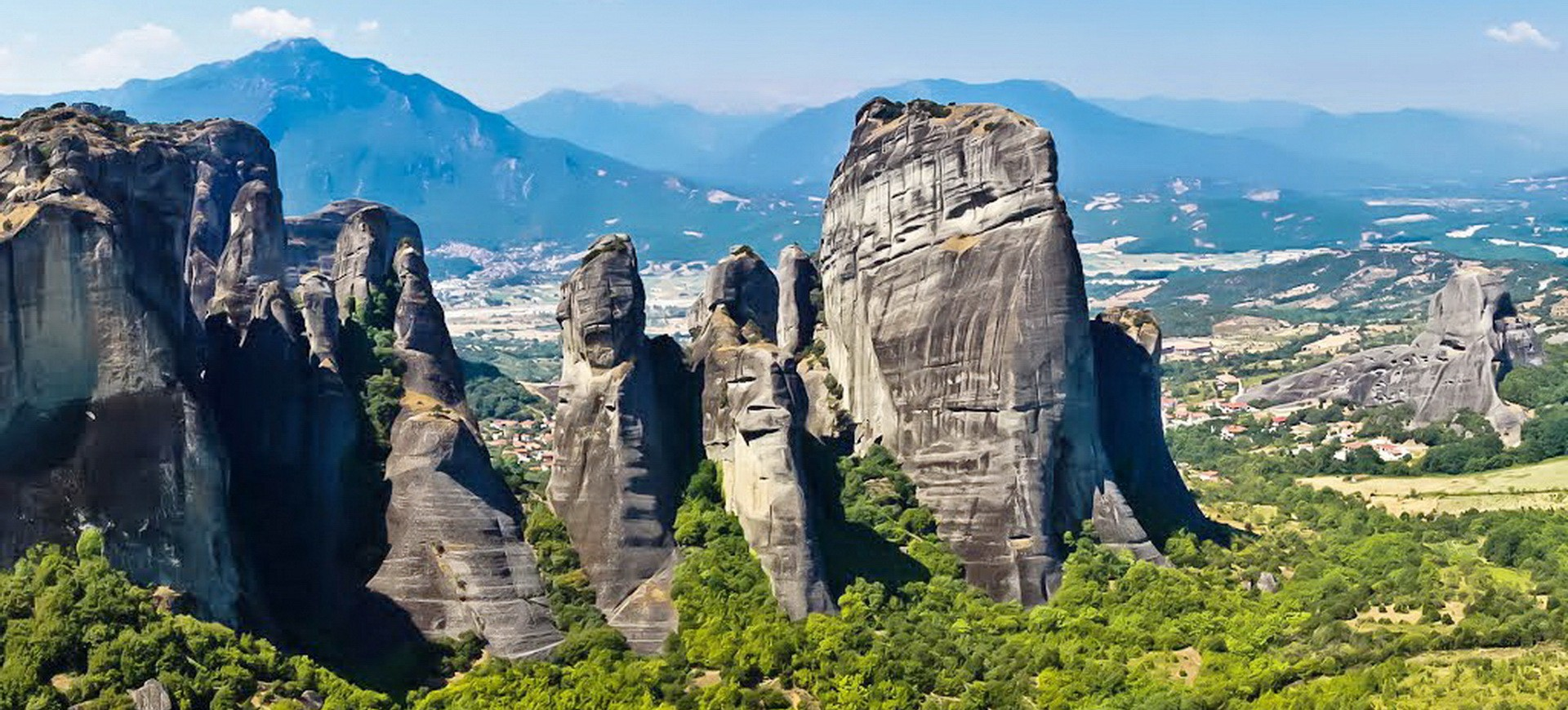 Montagnes dans les Météores en Grèce