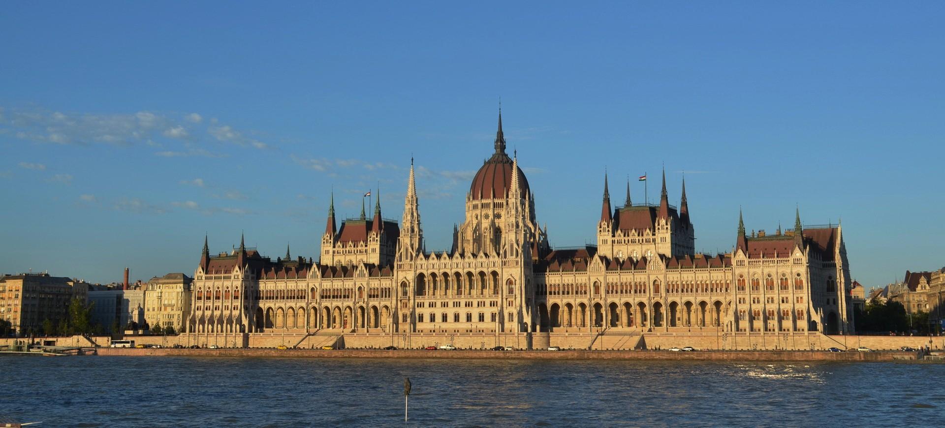 Hongrie Budapest Le Parlement et le Danube