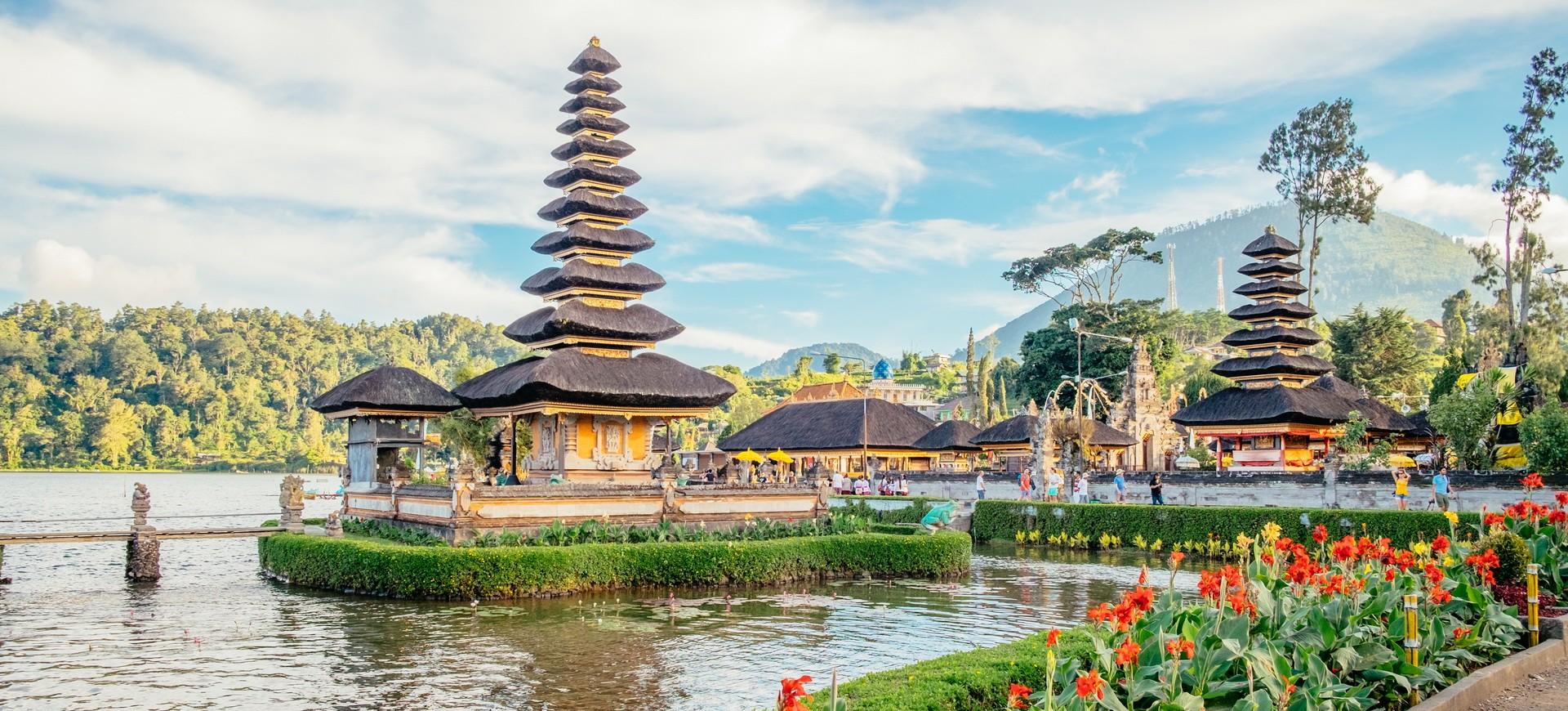 Temple Hindou Pura Ulun Danu au Lac Bratan à Bali