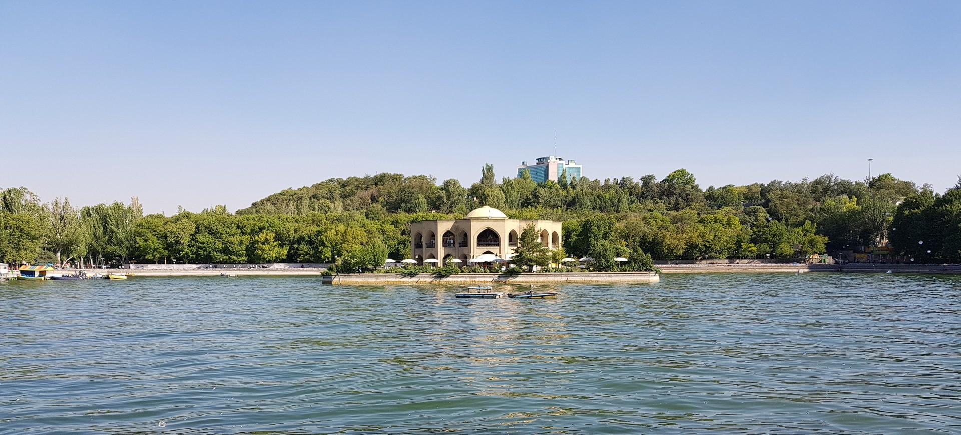 Jardin El Goli à Tabriz