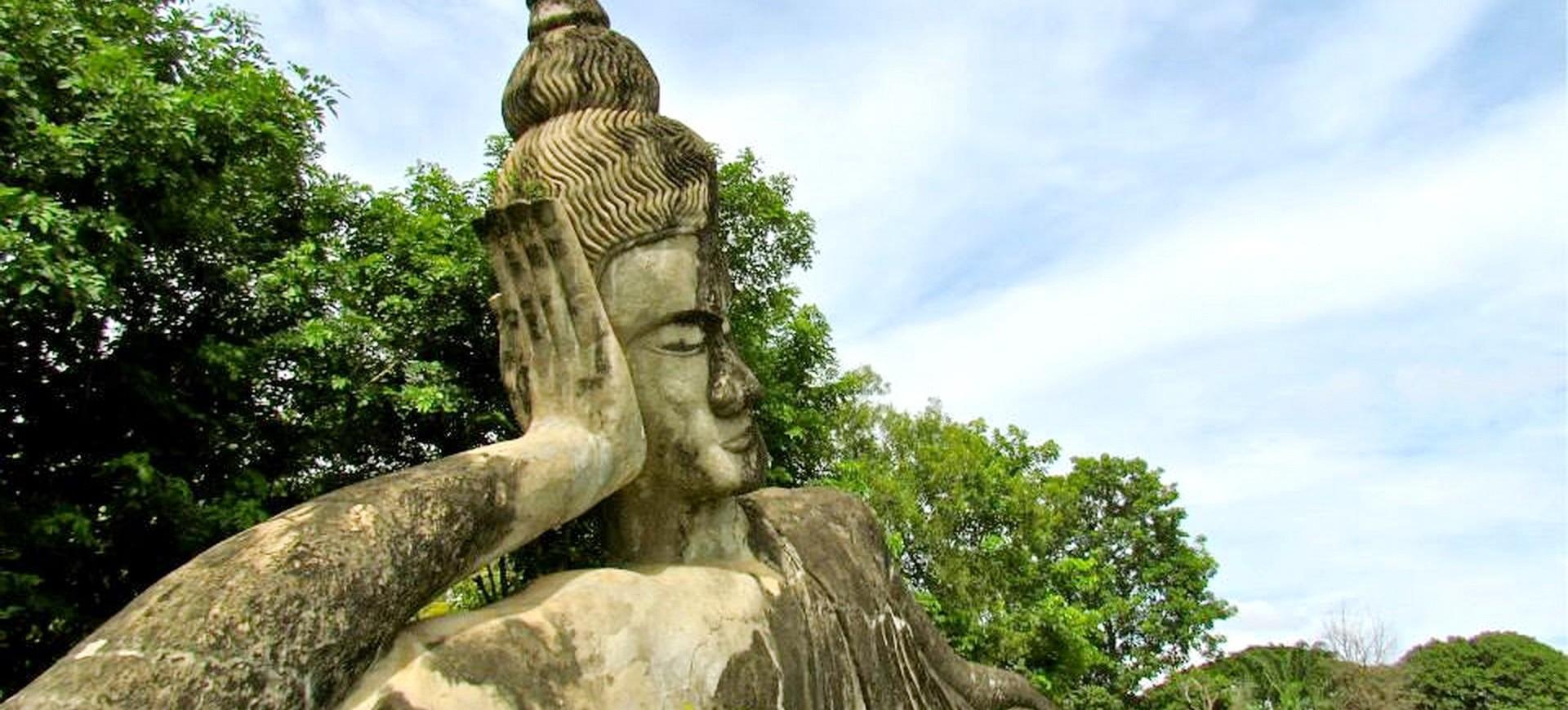 Laos Vientiane Wat Xiengkhuan 001