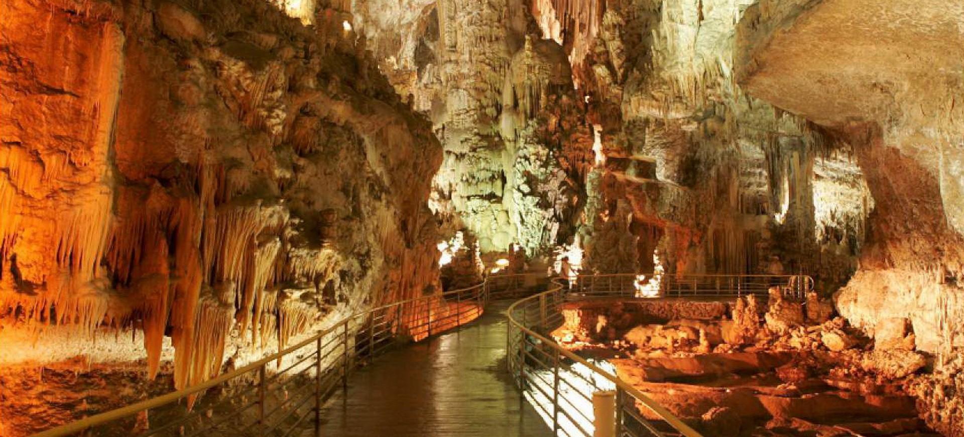 Les Grottes Staglatites et Staglalmites de Jeita