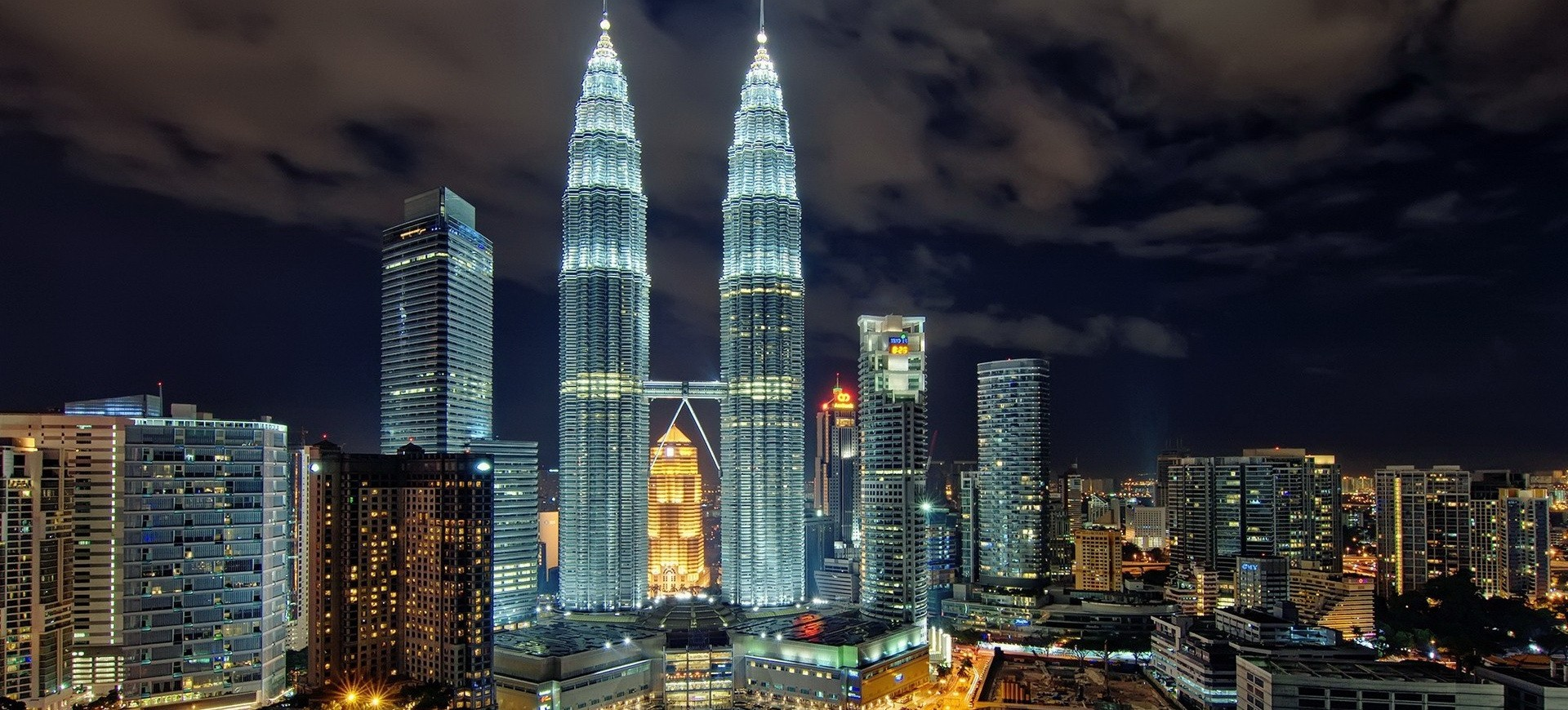 Malaisie Kualalumpur Tours Petronas by night