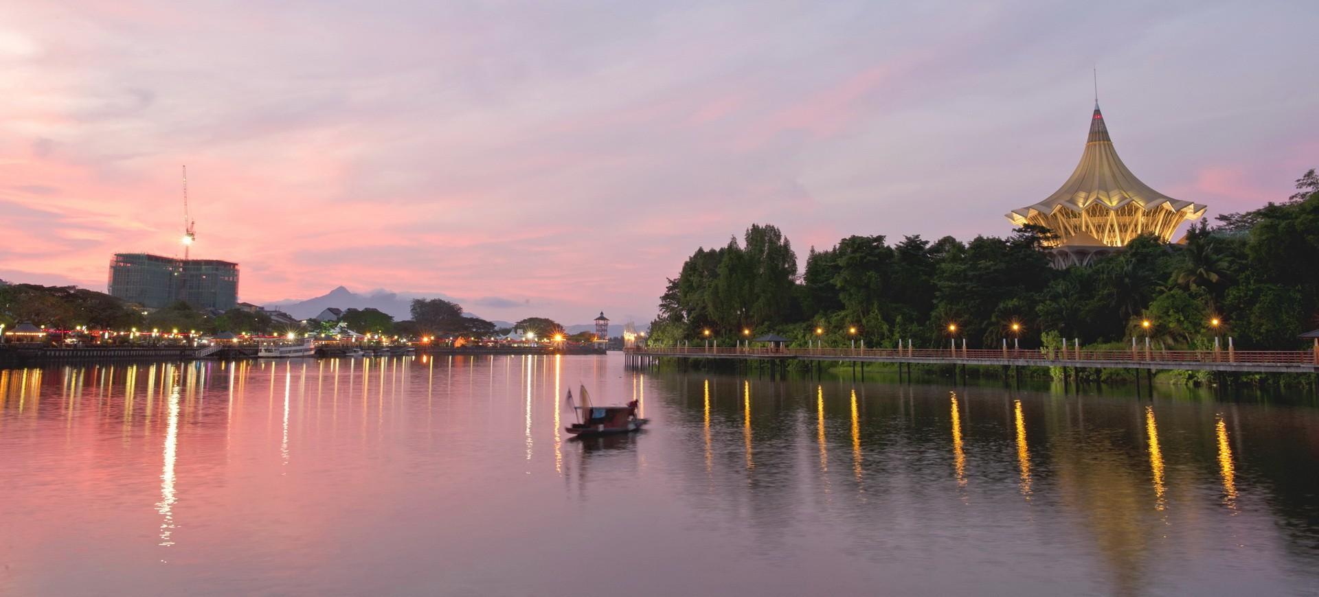 Malaisie Sarawak Front de Mer au coucher du soleil