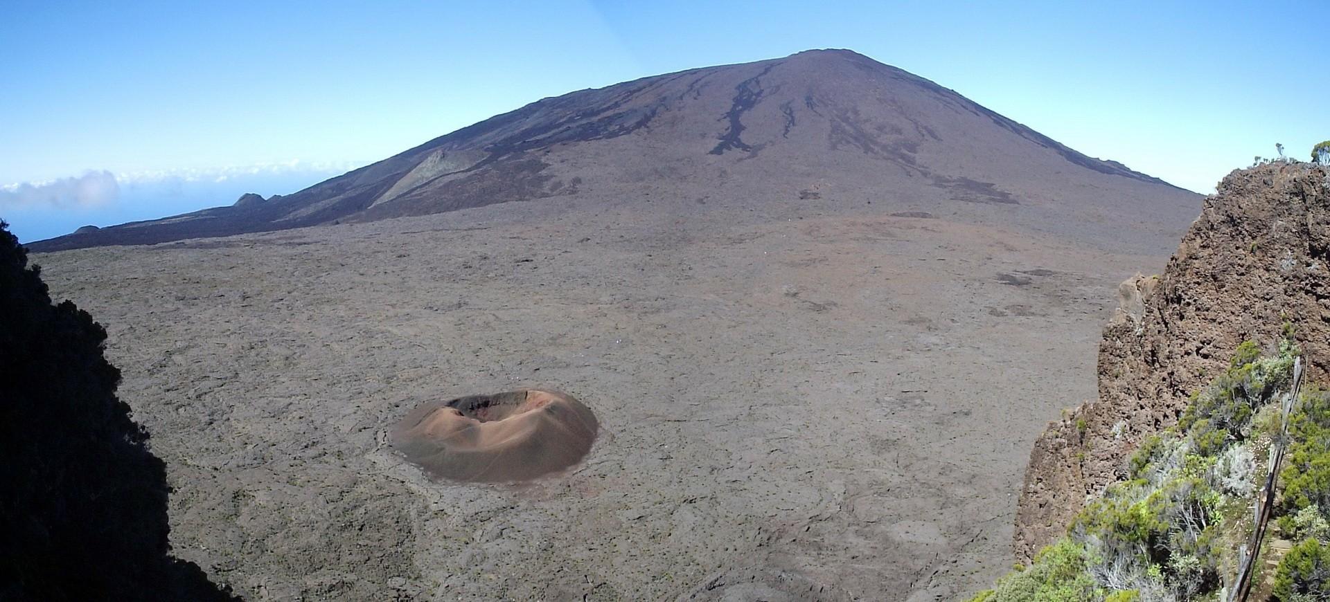 Piton de la Fournaise à I'île de la Réunion