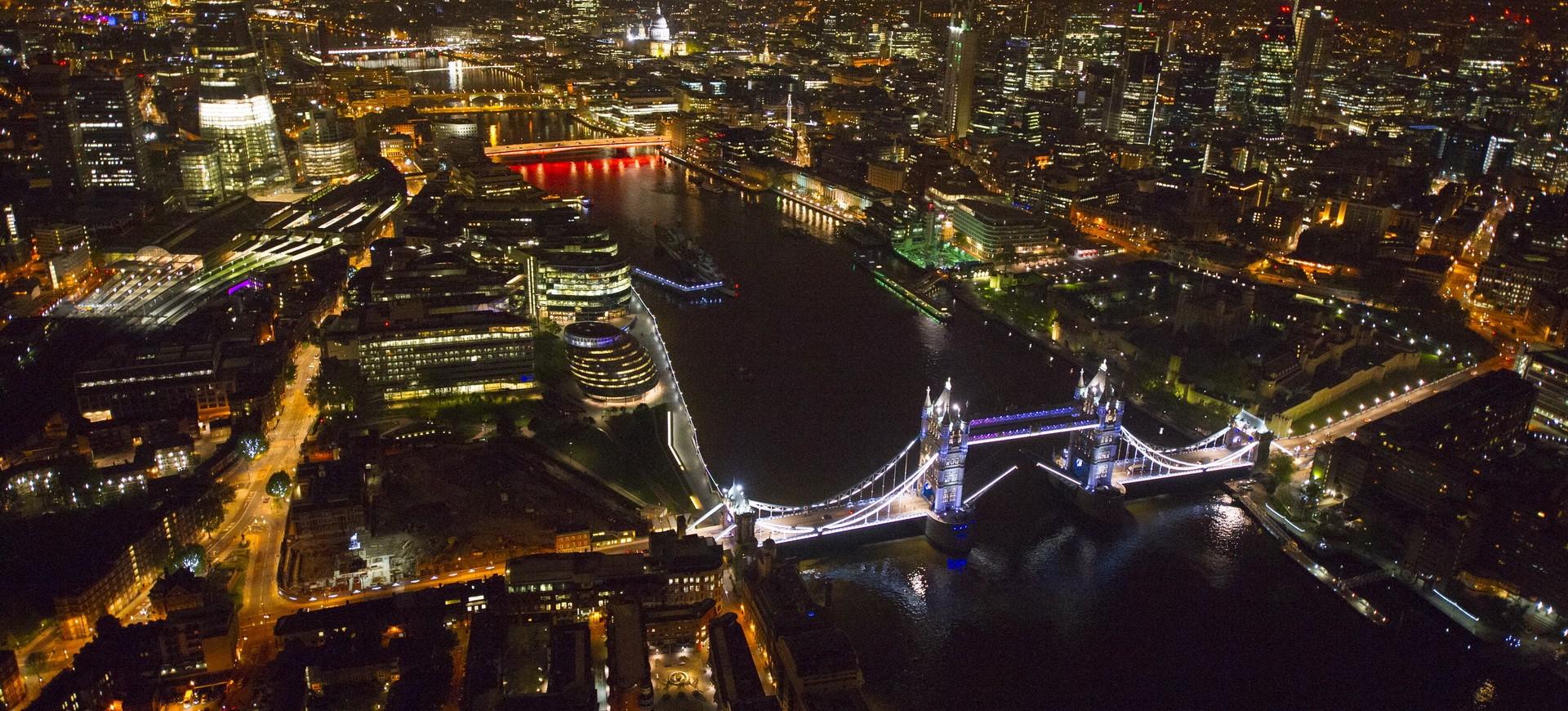 Royaume Uni Londres Tower Bridge by night