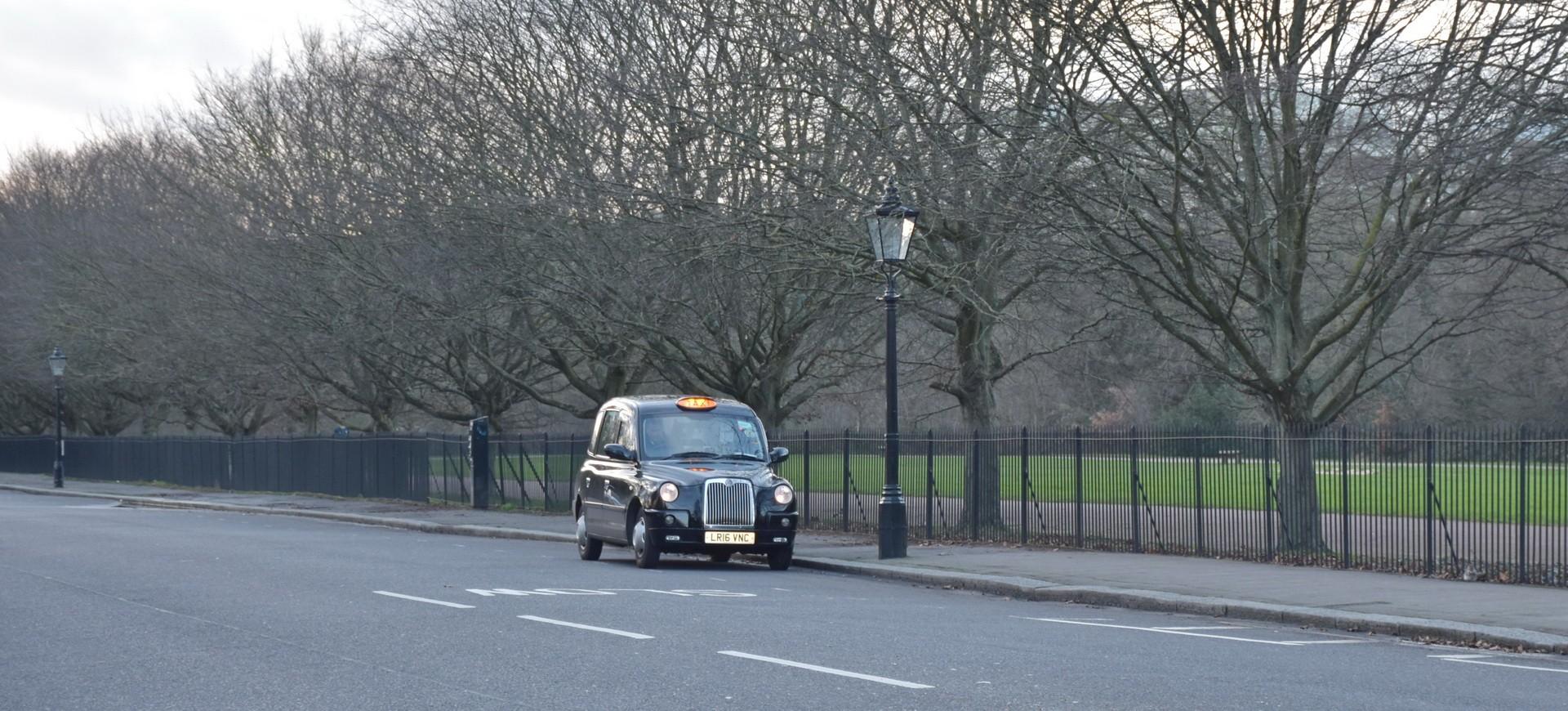 Royaune Uni Londres Regent Park Taxi londonien by AB