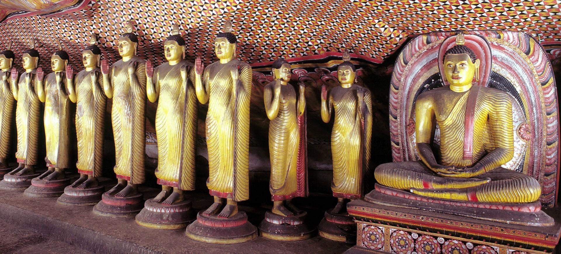Sri Lanka Dambulla Statues de Bouddha dans le Monastère dans la Grotte