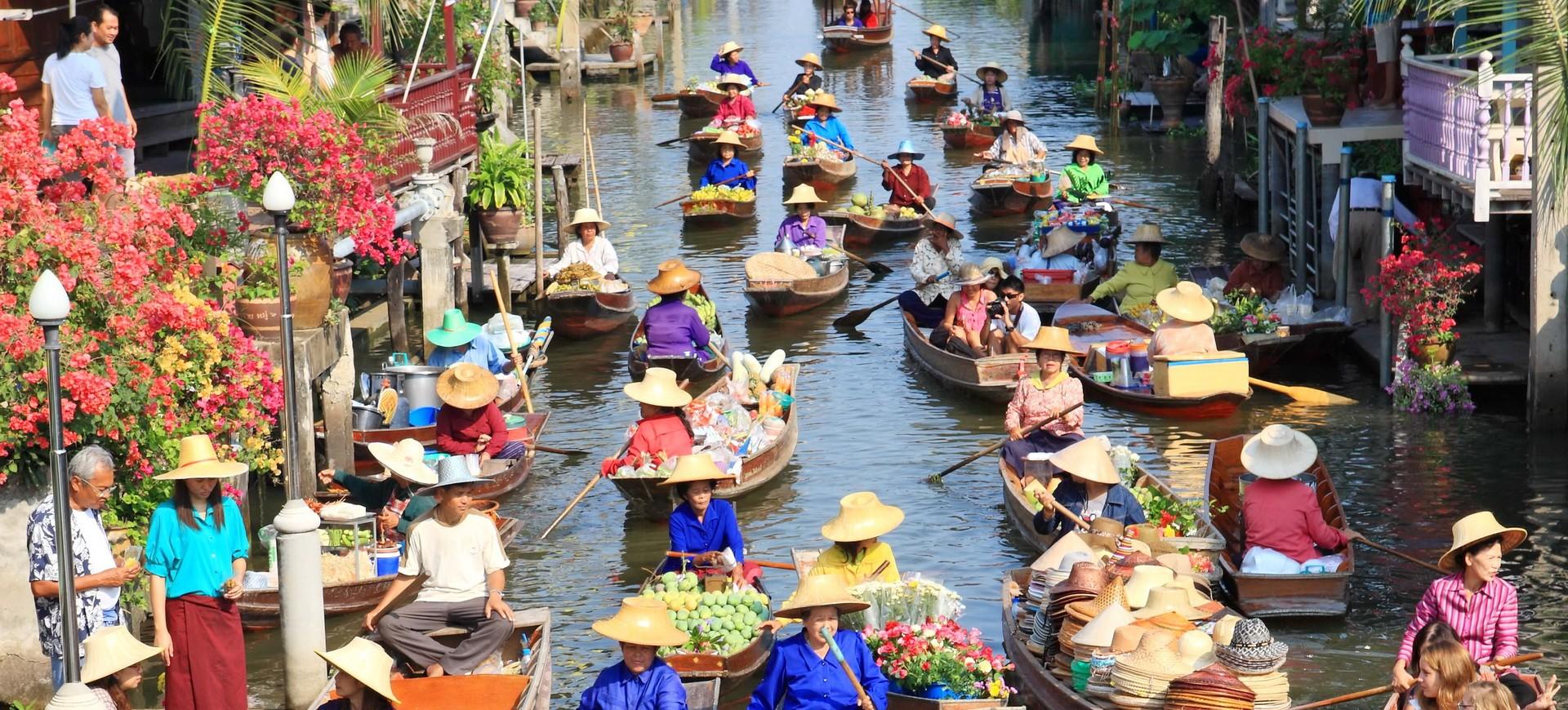 Marché Flottant à Ratchaburi en Thailande