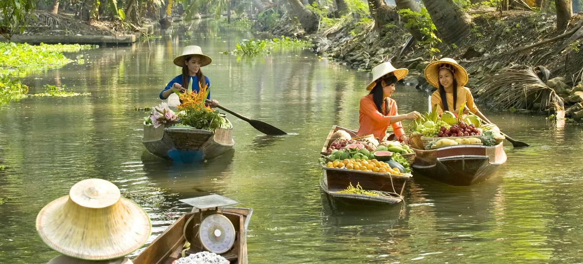 Marché Flottant à Samut Songkhram Thailande