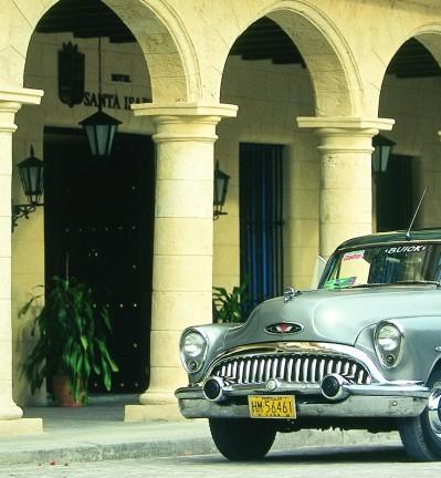 Cuba Trinidad vieille voiture américaine