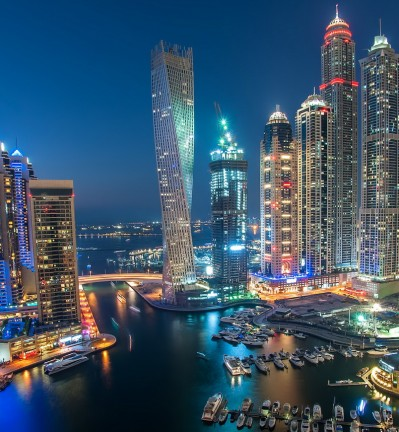 Emirats Arabes Unis Dubai Skyline et Marina by night 002