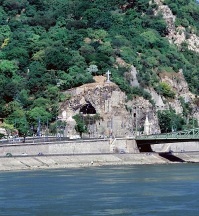 Hongrie Budapest Le Parlement et le Danube by ZB 004